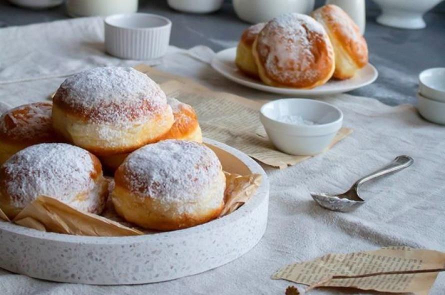 Зустрічайте наші новинки – пончики з чорничною та абрикосовою начинками.